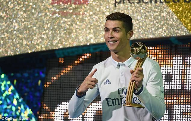 3B7E5B6000000578-0-The_Portuguese_wonder_claimed_the_Golden_Ball_award_for_being_to-a-22_1482077787859